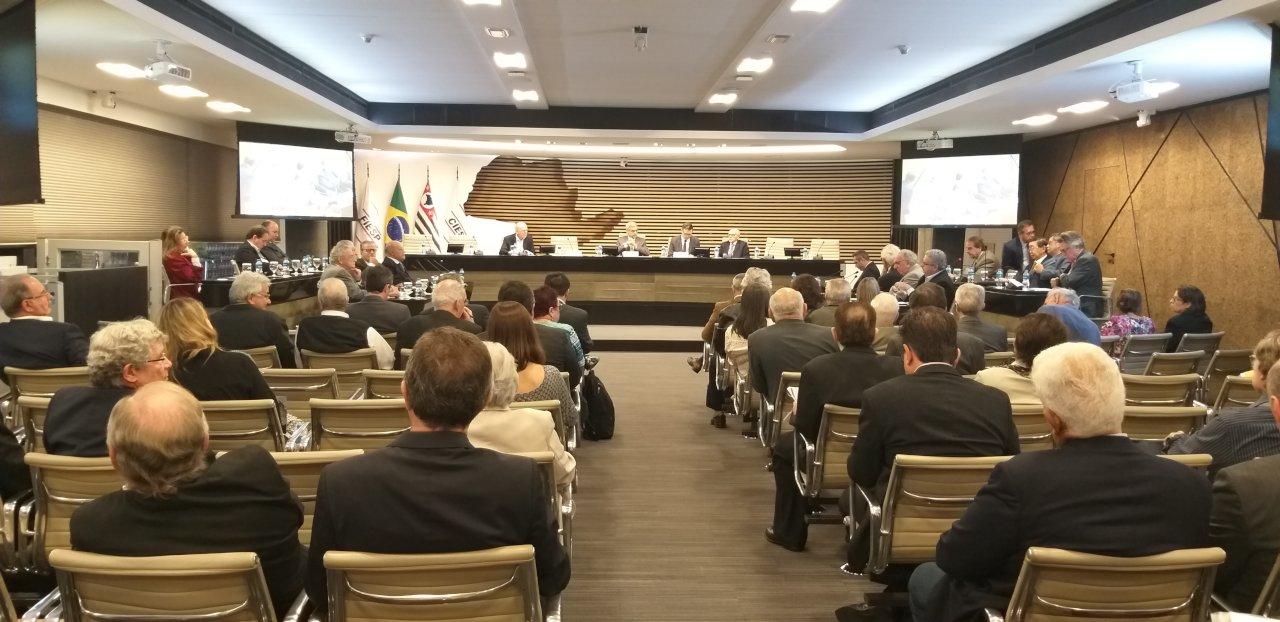 Primeira reunião dos conselheiros definiu temas ligados aos resíduos, água e ar para trabalhar ao longo de 2020