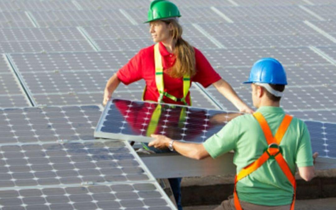 Mulheres recebem bolsas de estudos em energia solar
